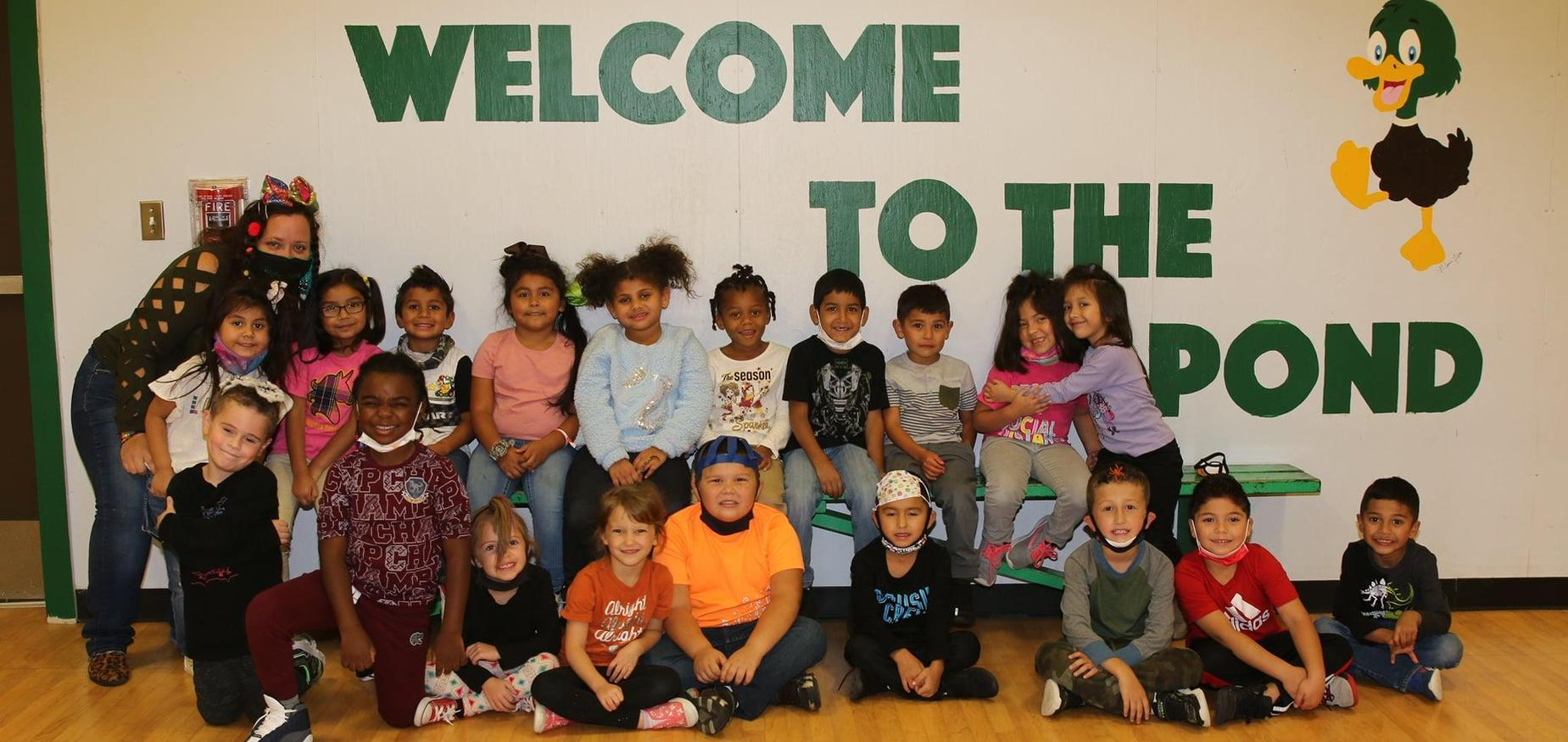 kinder class photo at THJ
