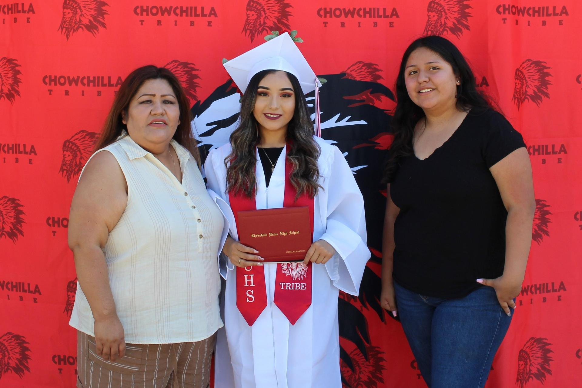 Jackeline Castillo and family