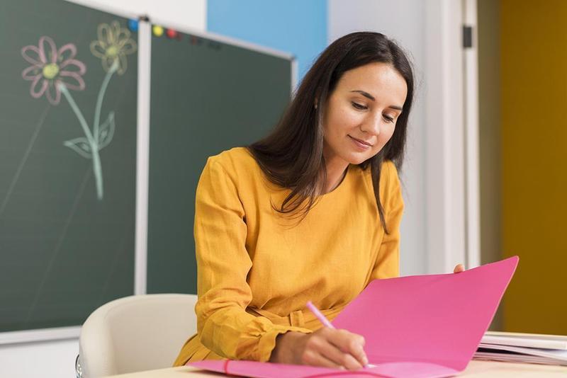 Teacher Assistant: Paraprofessional Preparation Thumbnail Image
