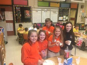 Student Council food drive 9.JPG