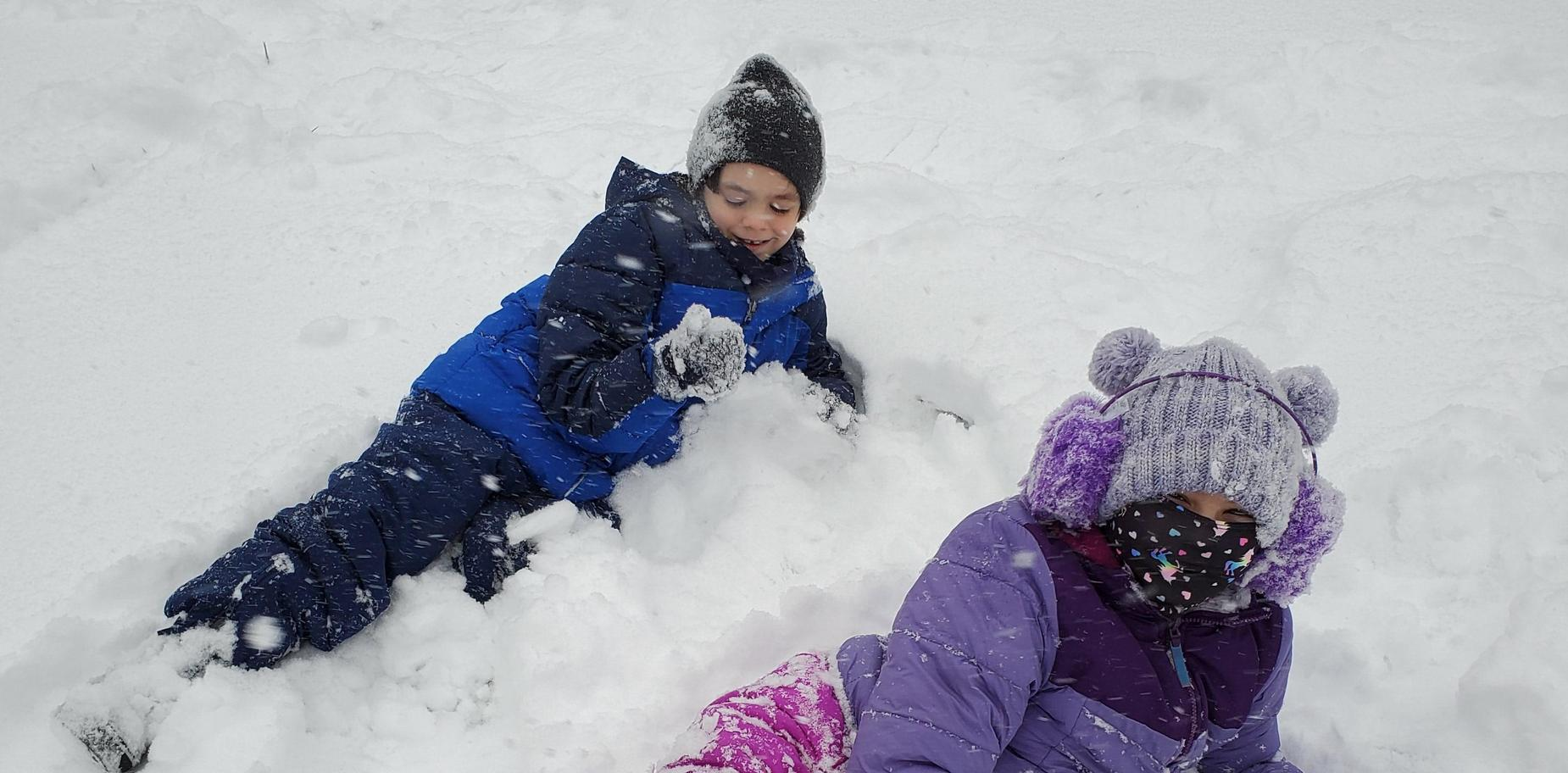picture of kids in snow