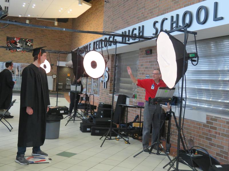 TKHS Class of 2019 prepares for graduation.