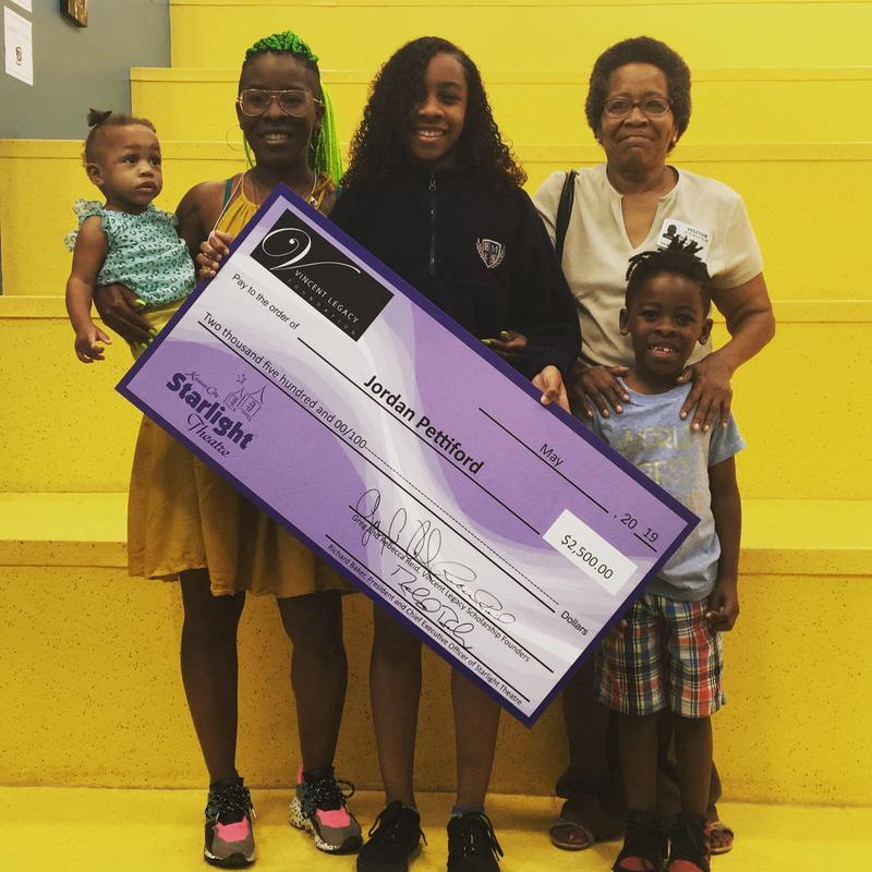Student Surprised with Vincent Legacy Scholarship Featured Photo