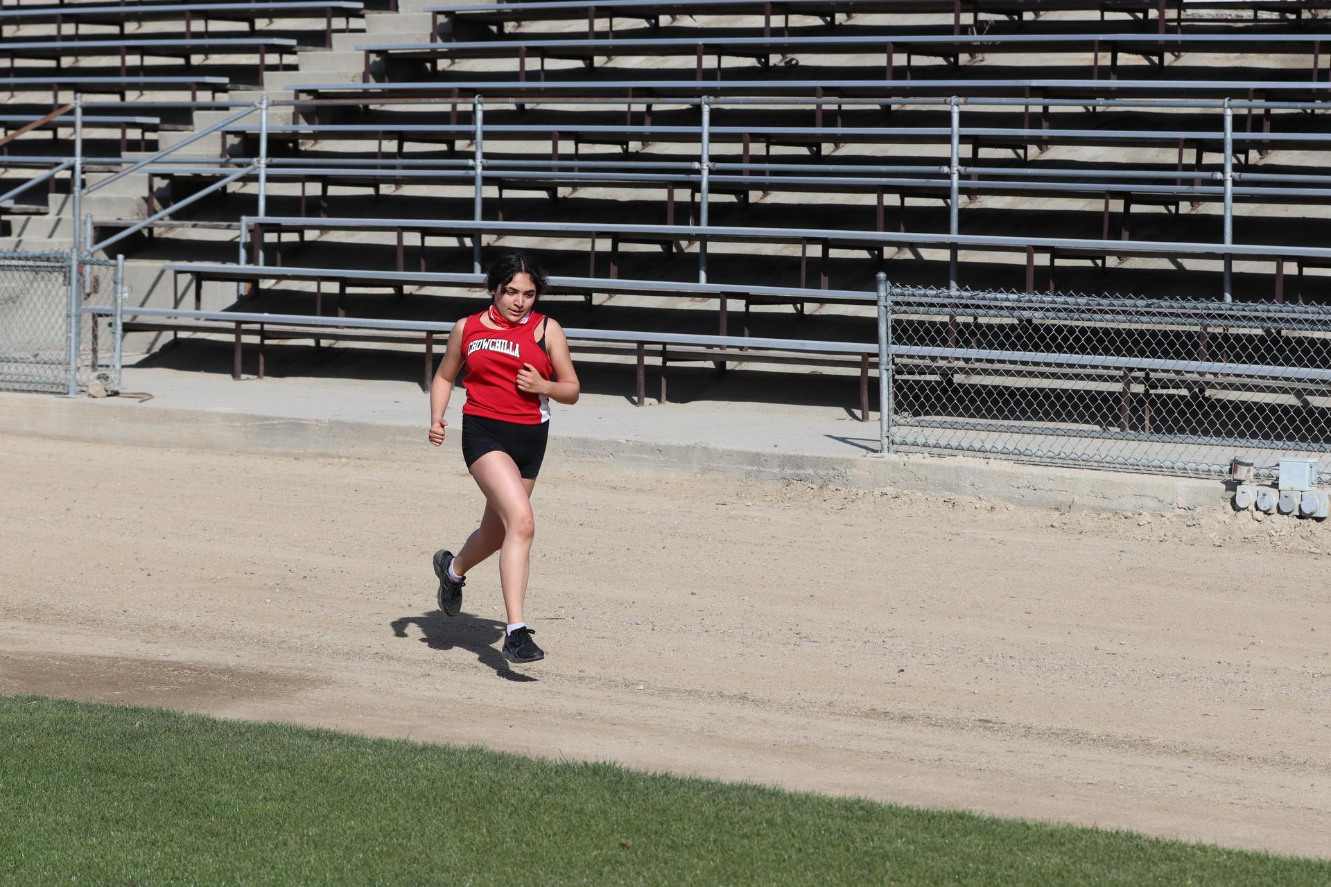 girls running at kerman