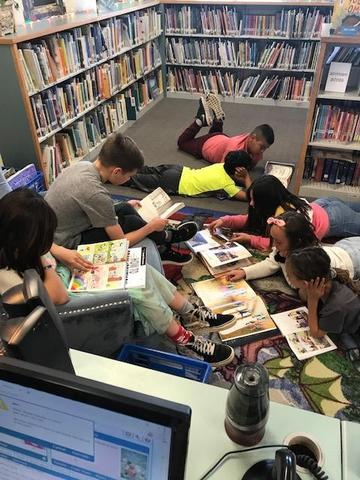 Reading is fun with friends!