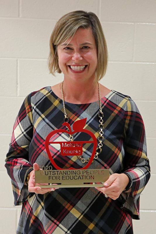 Melissa with award