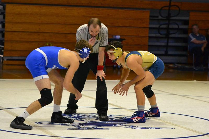 Wrestling: Holy Cross defeats Jesuit on the Mat Featured Photo