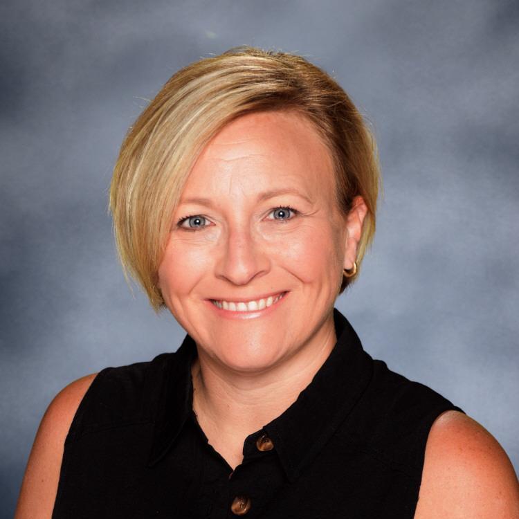 Elizabeth Bashore's Profile Photo
