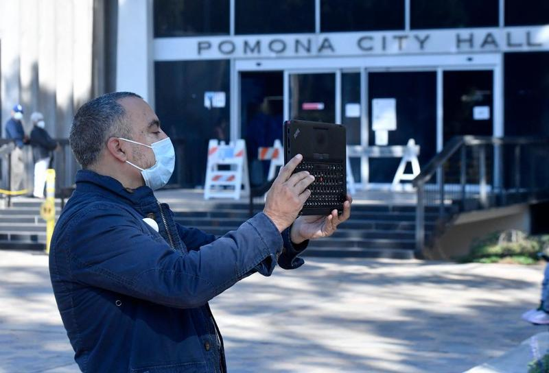 https://www.dailybulletin.com/2020/11/02/distance-learning-doesnt-stop-pomona-teacher-from-connecting-students-to-their-community/