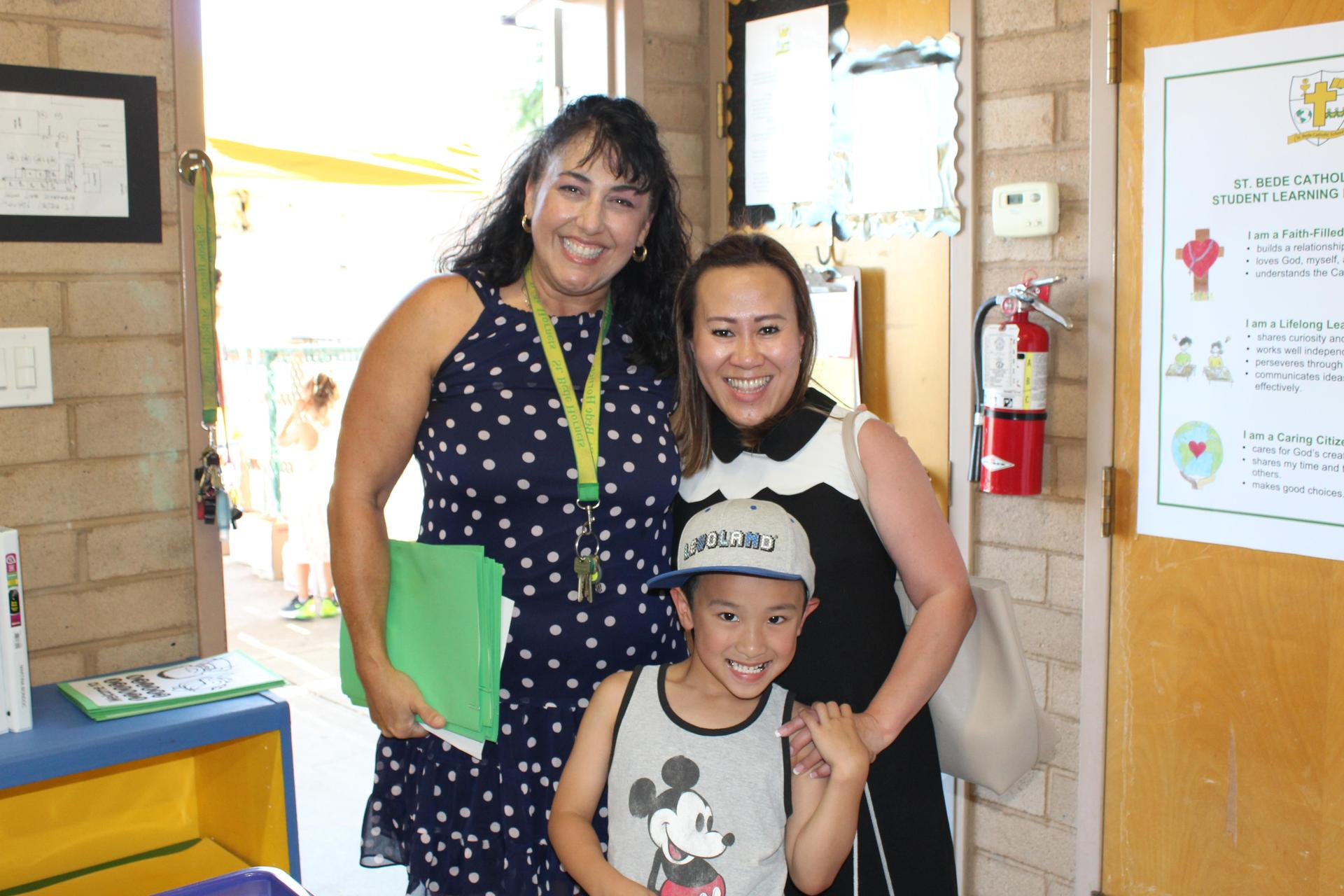 Our TK/Kindergarten teacher, Mrs. Aguilera greeting her new students at the Kinder Mixer.