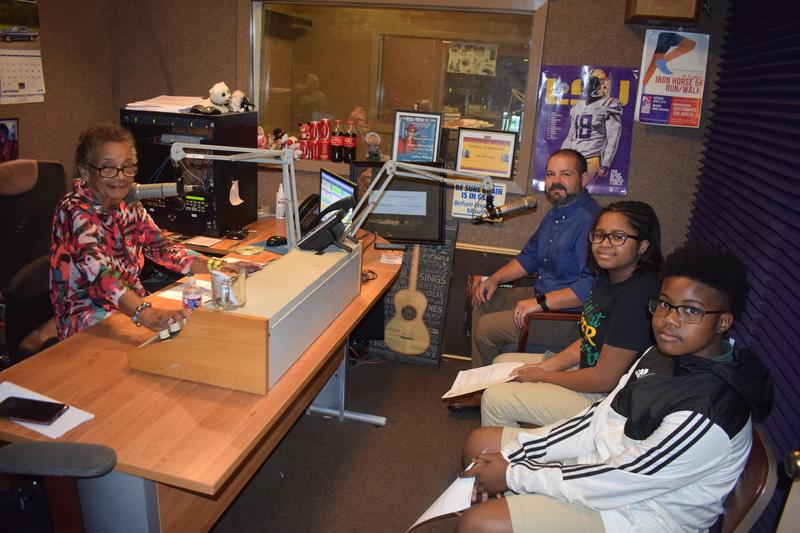Denman Junior High Principal and two scholars went live on the Fern Crossley Show!