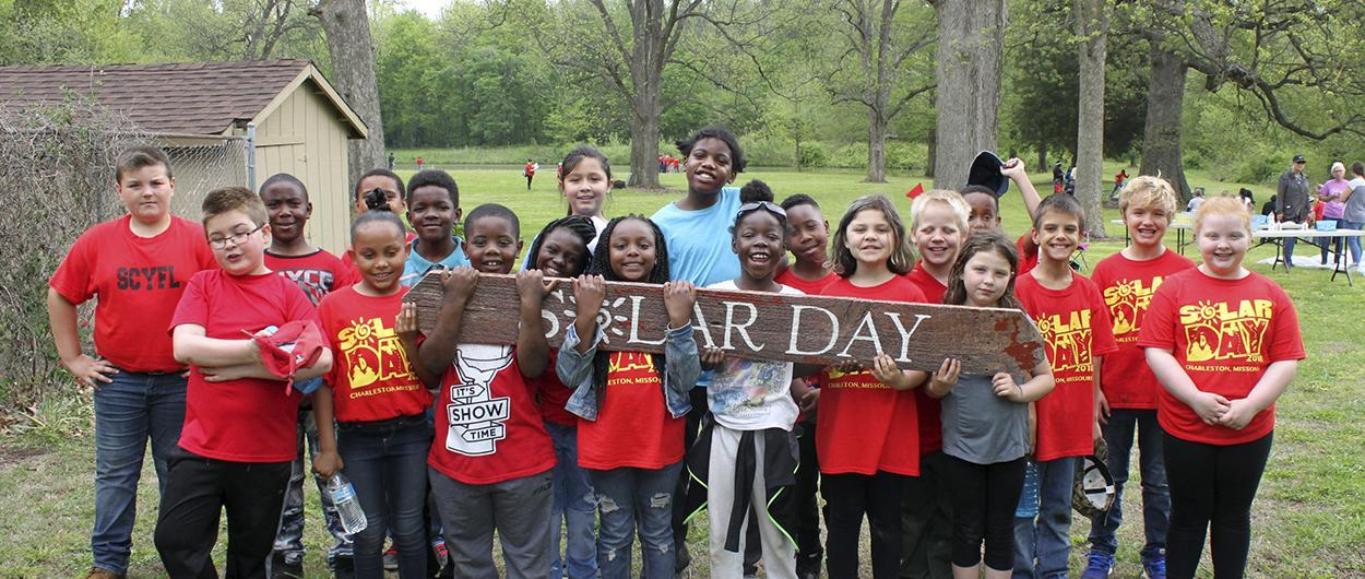 Hearnes Elementary students at Solar Day