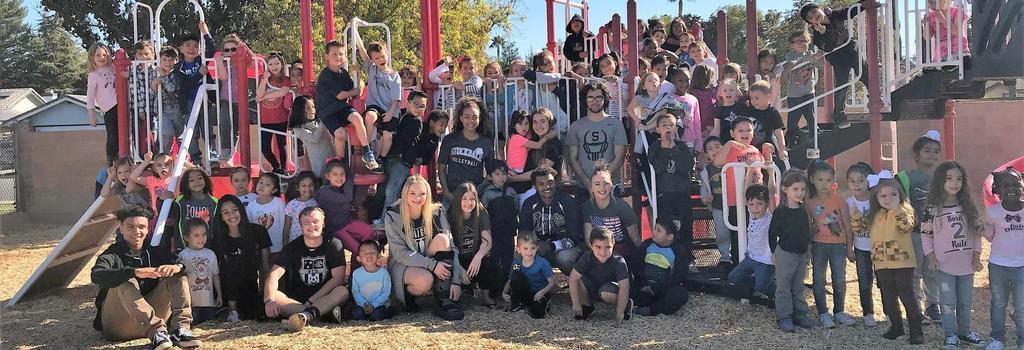 Stockdale Athletes serve the community through the Celebrity Reader Program