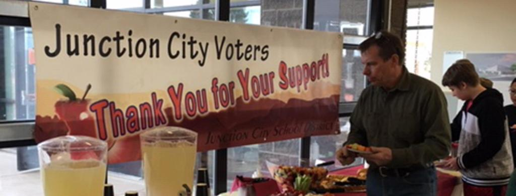 Thank you Voters Banner, during JCHS Open House New Building Tour