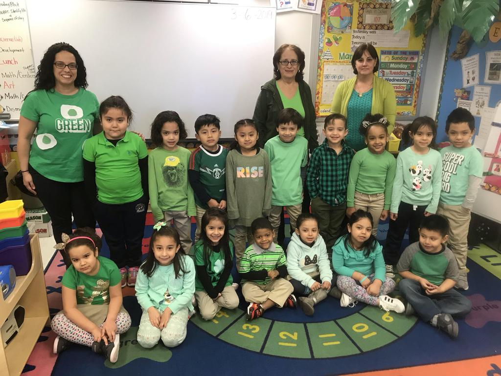 Ms. Sosa's Kindergarten Class with aides