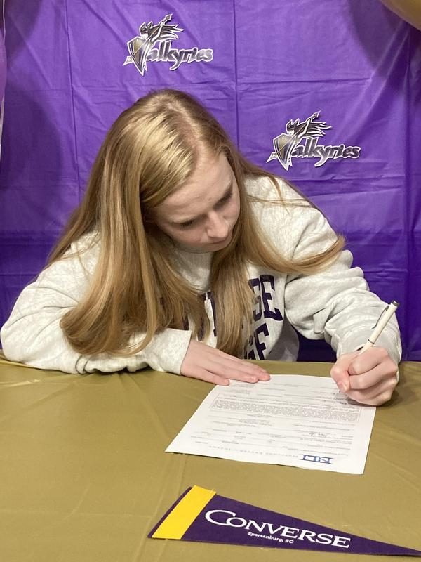 MacKenzie Leary signing with Converse College