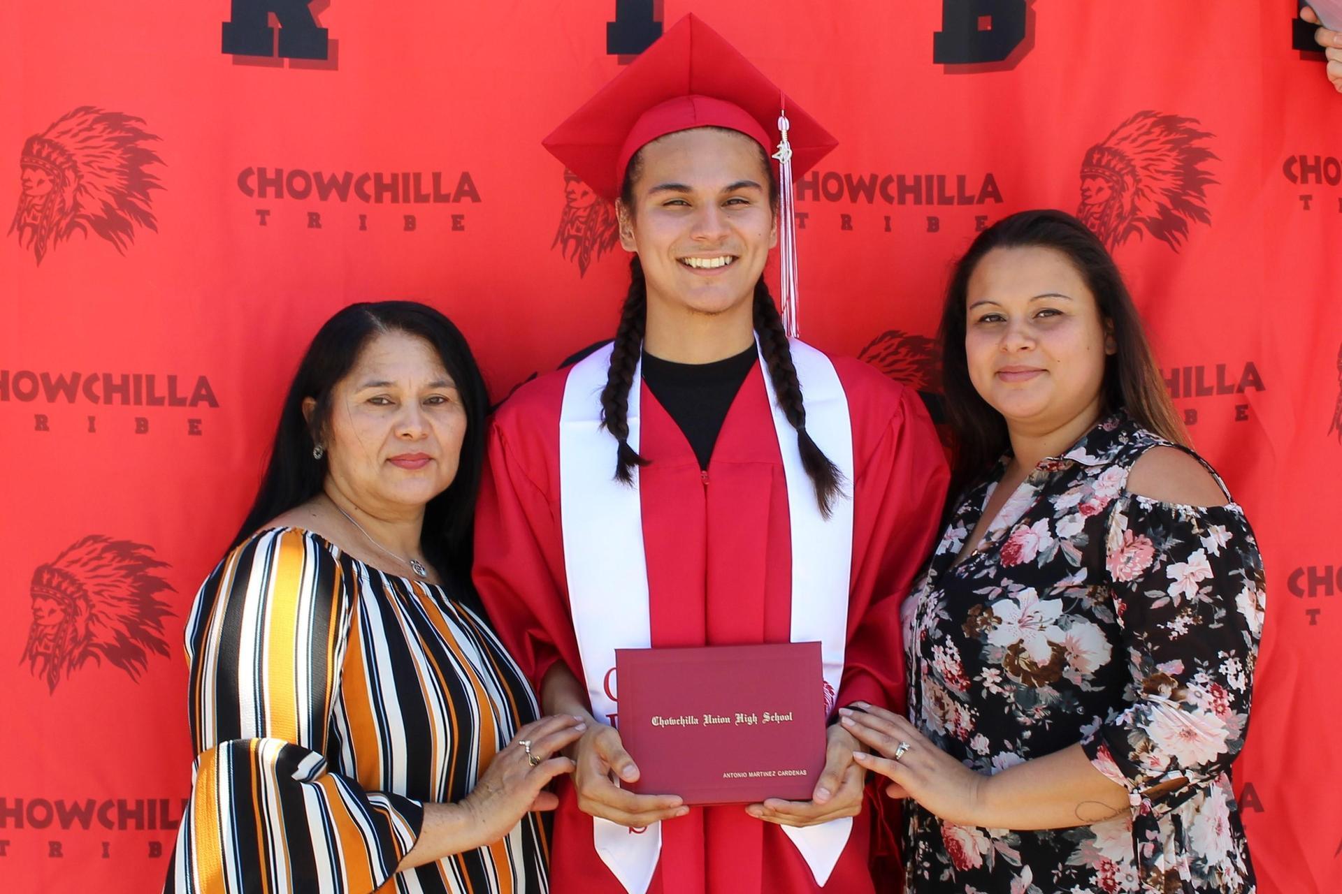 Antonio Martinez Cardenas and family