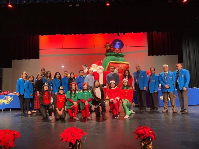 Santa visits Valley View ISD! Thumbnail Image
