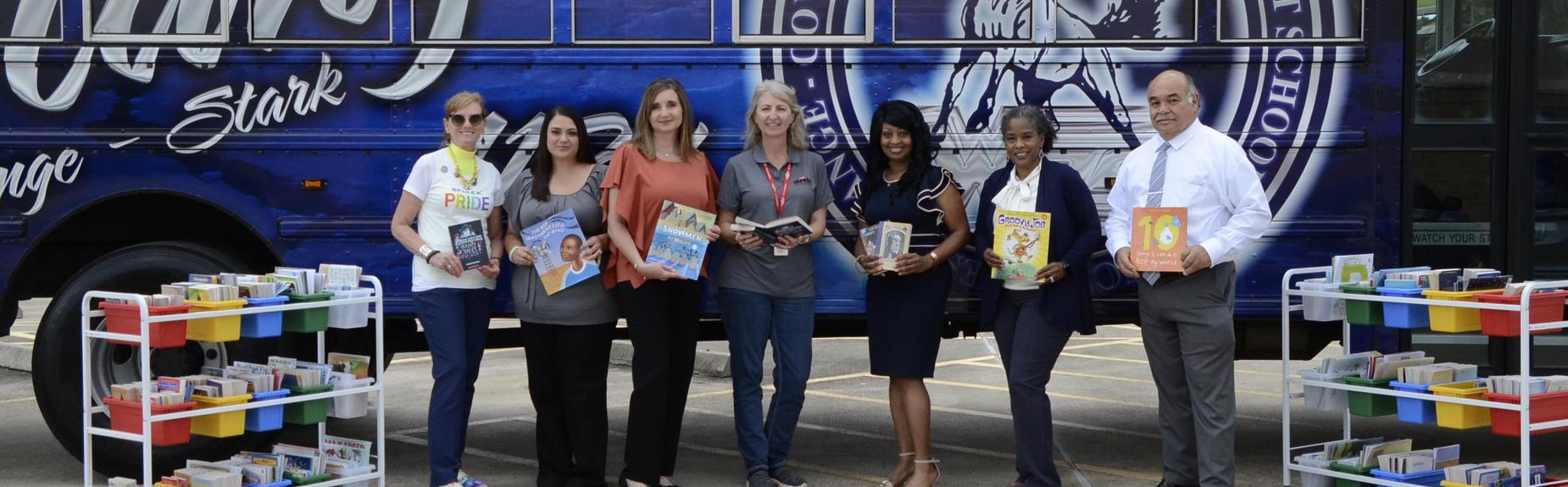 Dow and United Way Donate to Read and Roll Bus
