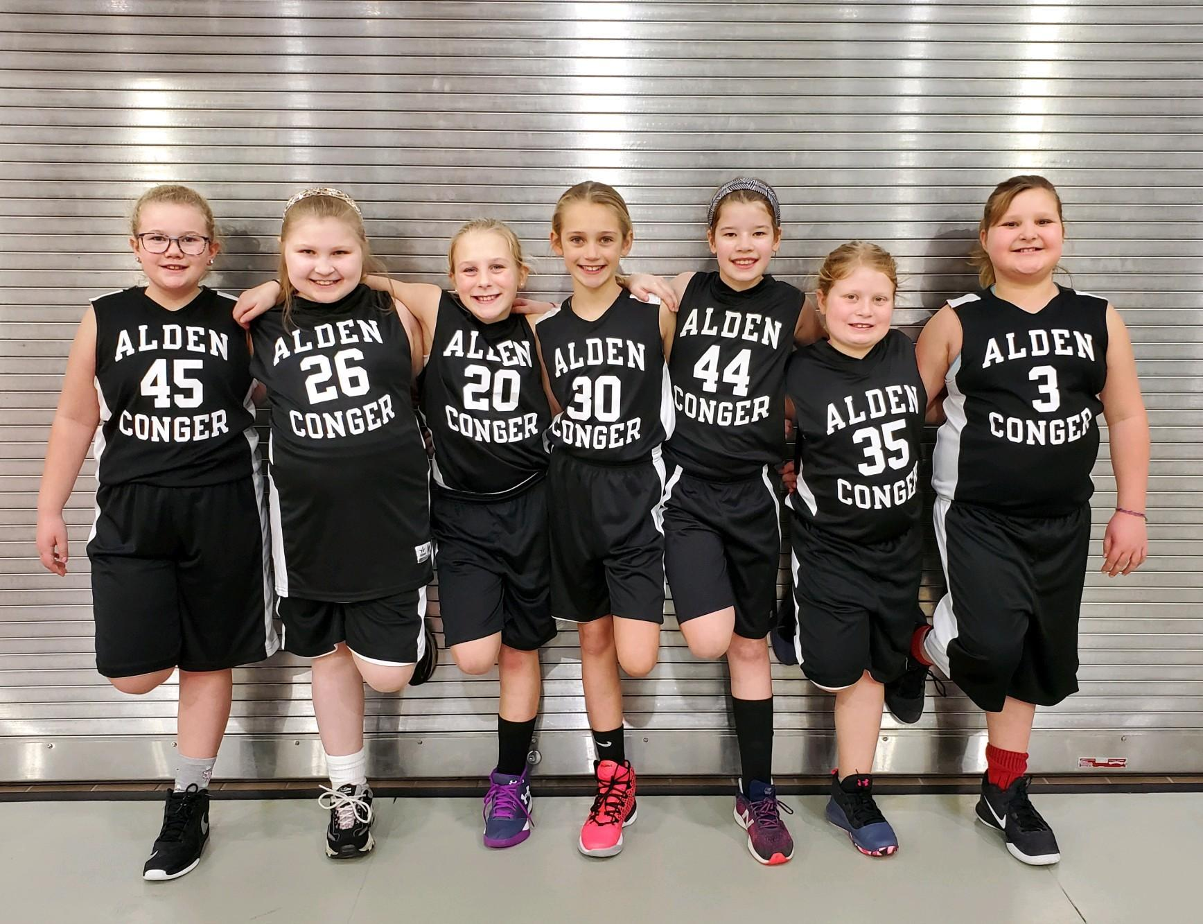 4th Grade Girls Basketball Team Photo