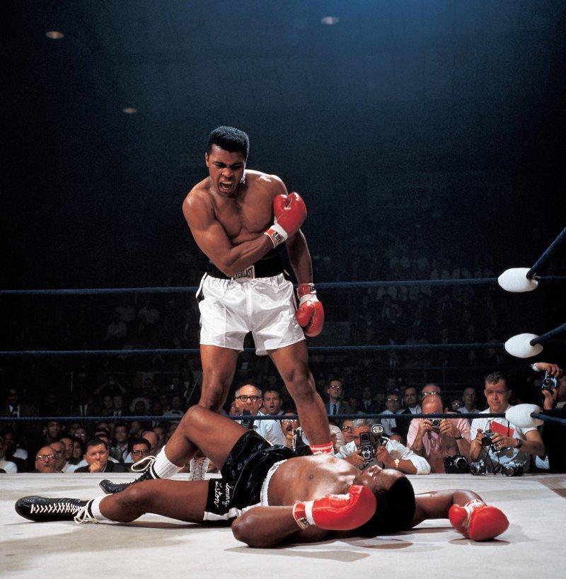 Muhammad Ali vs. Sonny Liston  By: Neil Leifer 1965