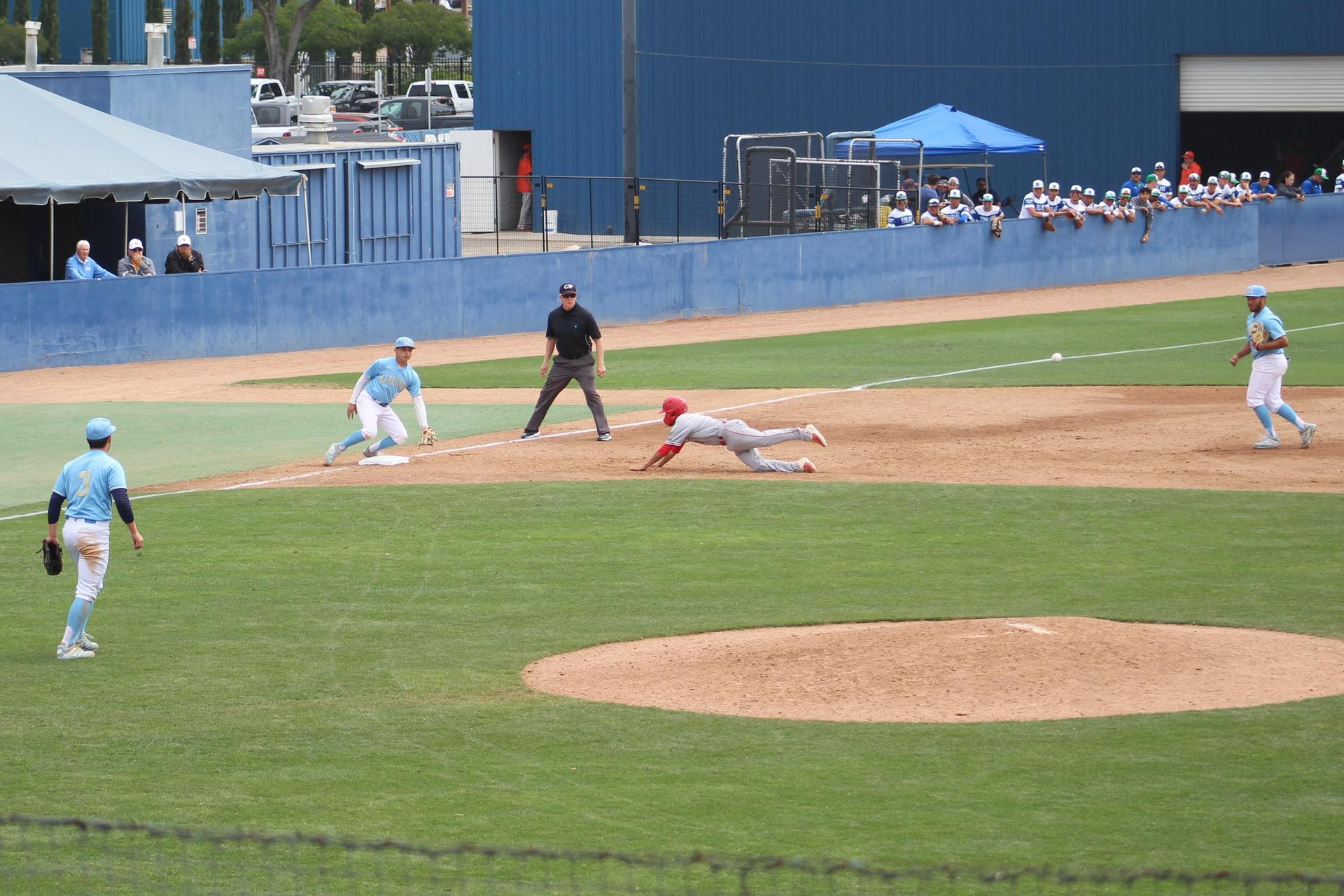 Ramos runs to third