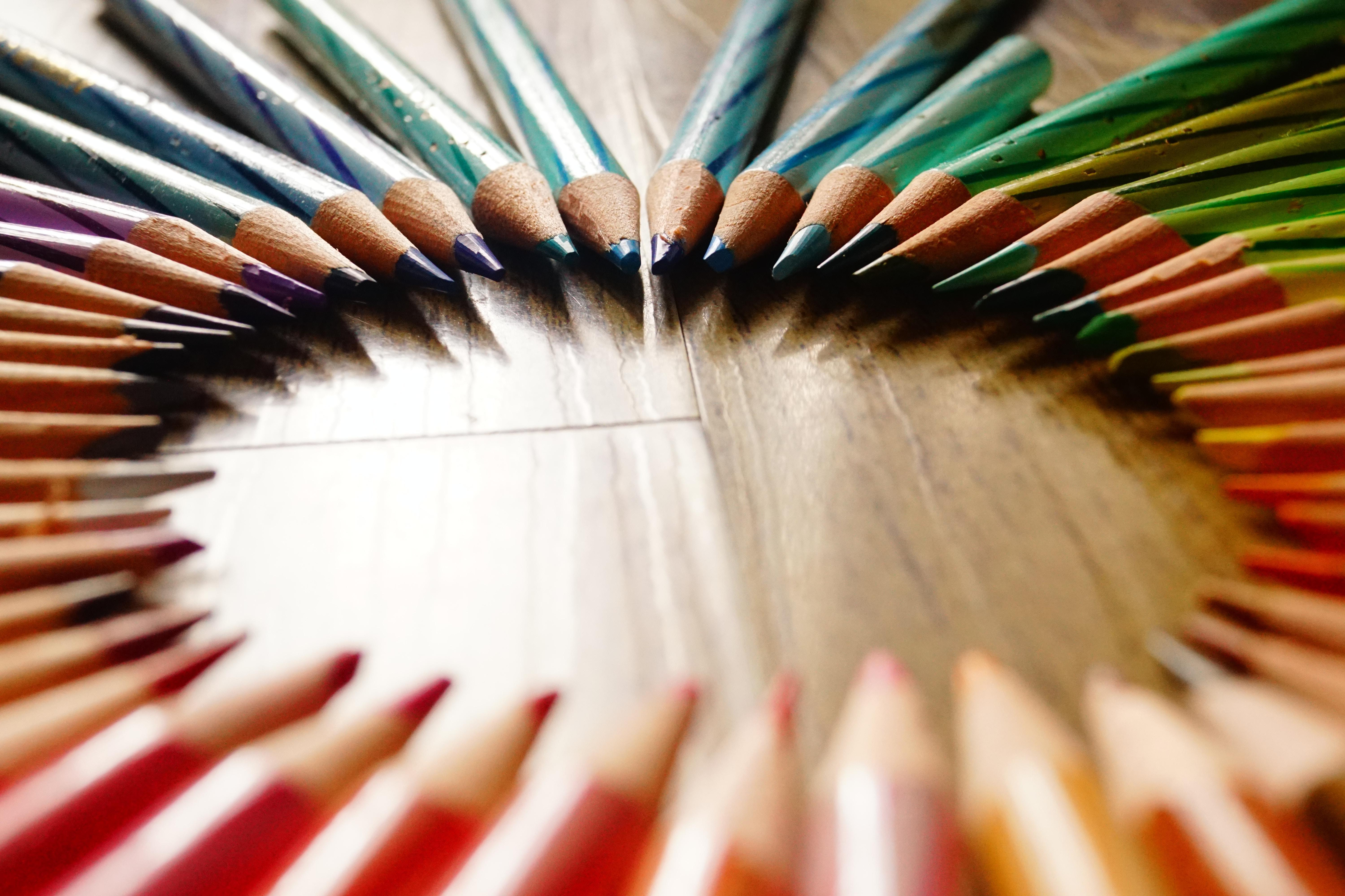 Colored pencils arranged in circle