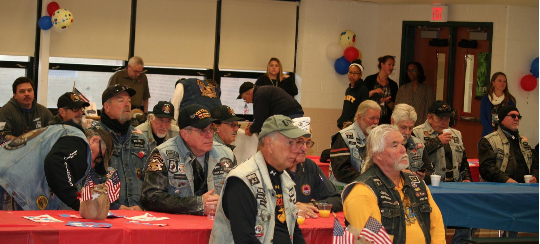 Veterans enjoy breakfast
