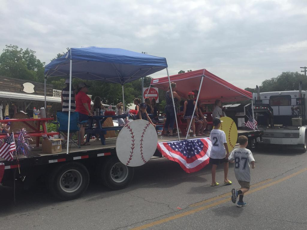 WHS Baseball in 4th of July Parade