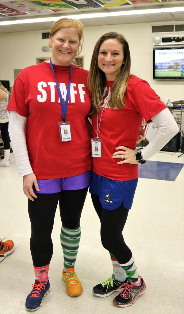 Photo of two Roosevelt teachers wearing mismatched clothing on Mix It Up Day.