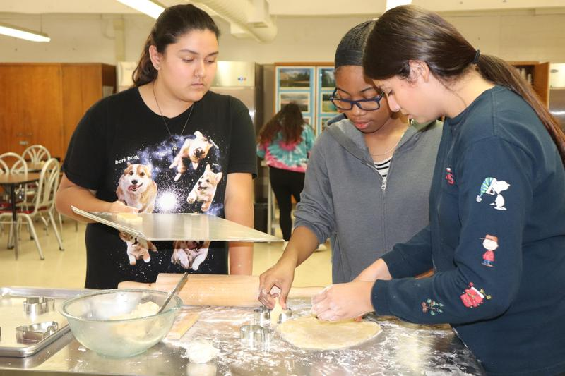 Culinary Arts Program Comes Back To Graves Middle School Featured Photo