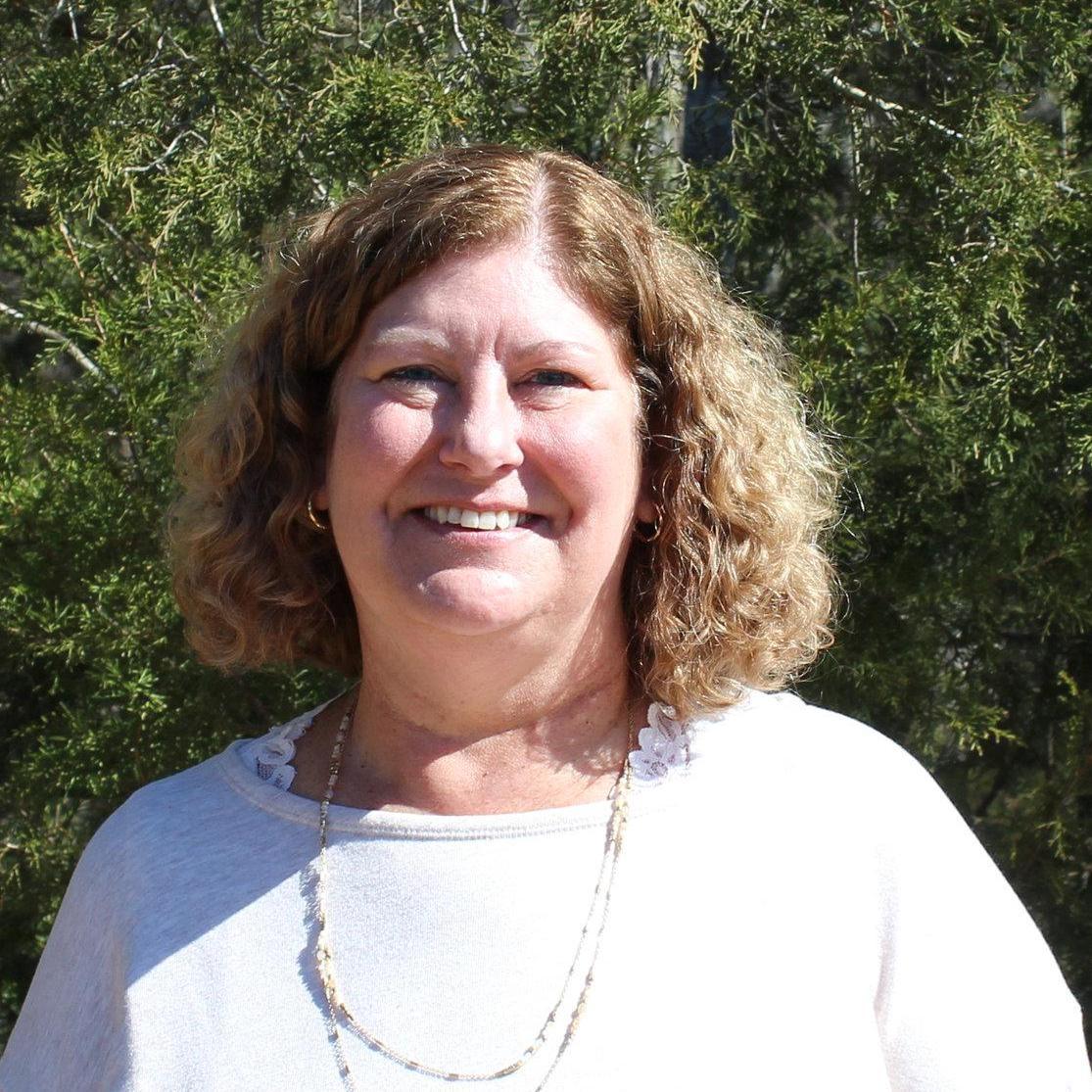 Elisabeth Tom's Profile Photo