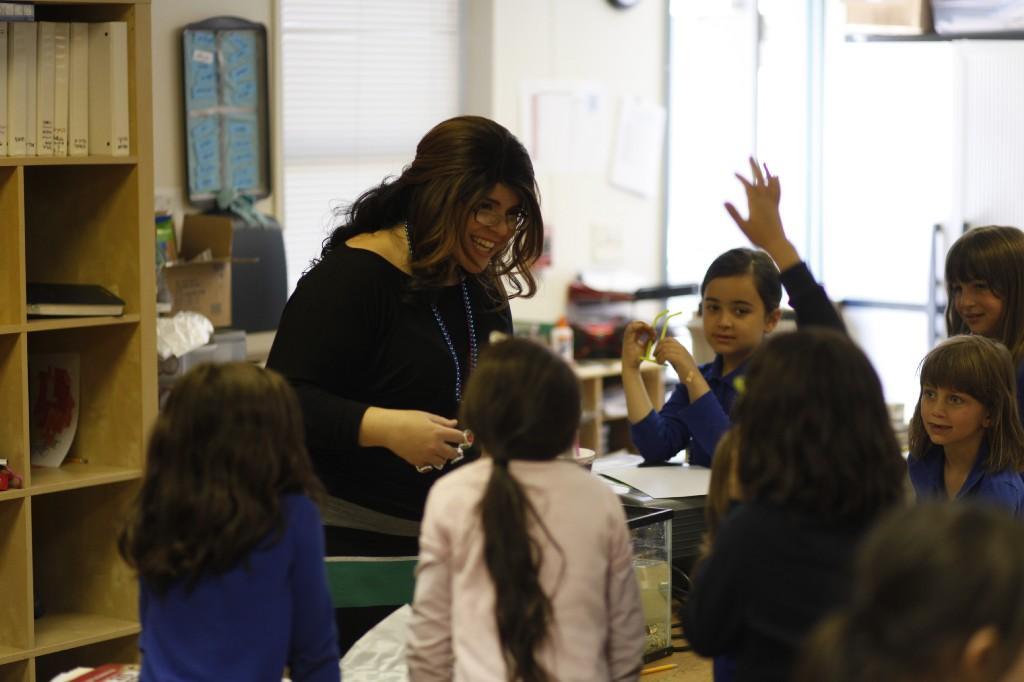 Morah Devorah teaching her girls