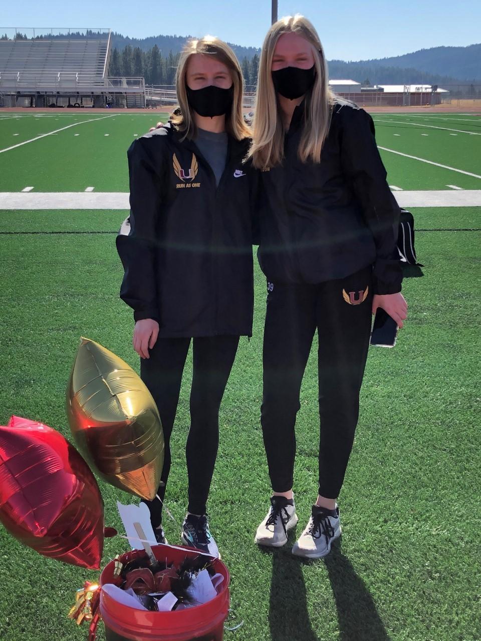 Senior Lauren with sister Lindsey Church