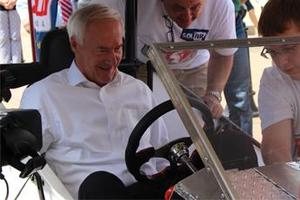 Governor Asa Hutchinson Tries Jig-Jag