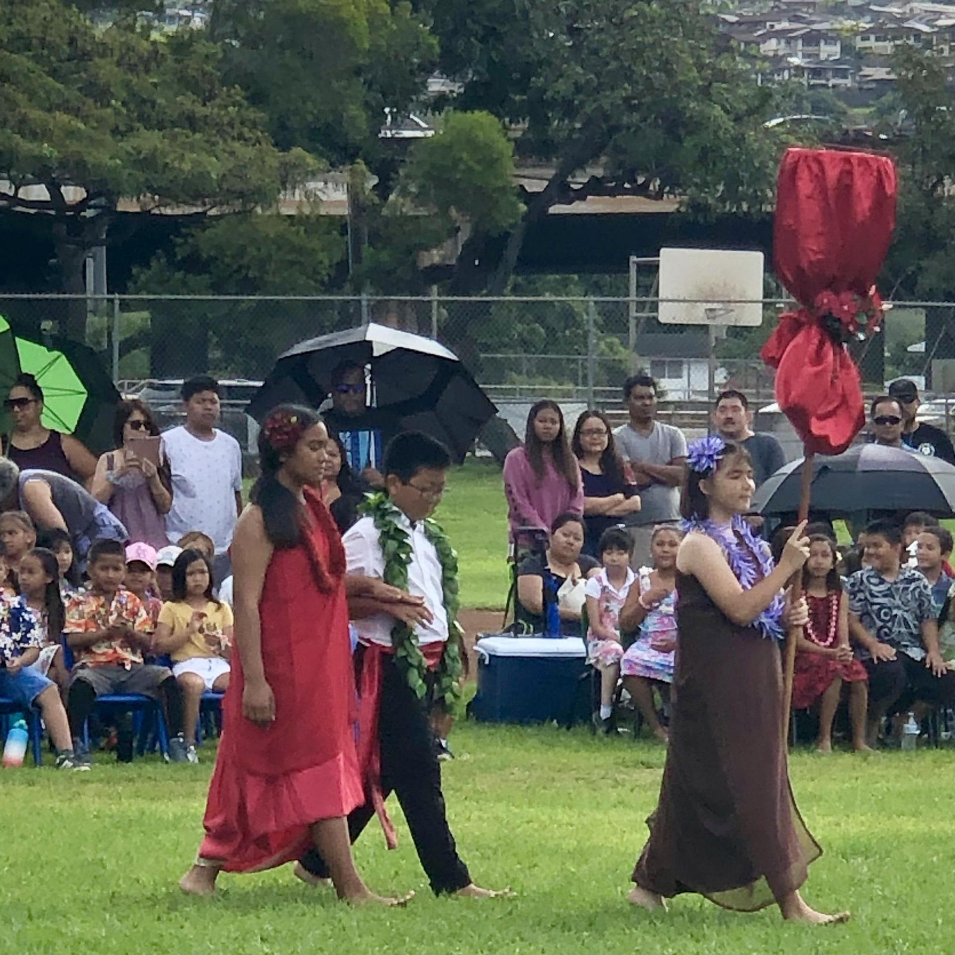 Hawaii island princess and escort