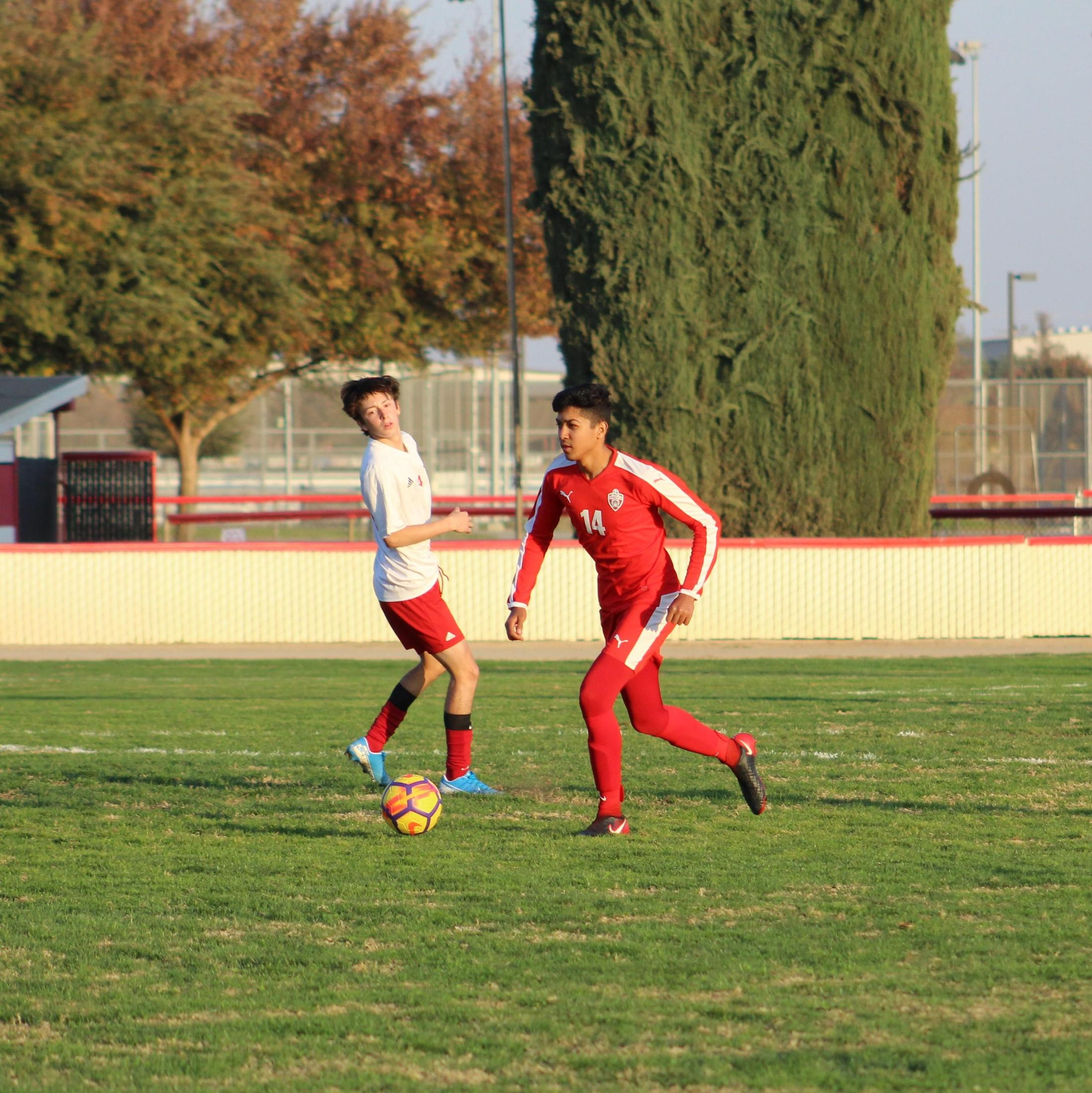 Kevin Nava running with the ball