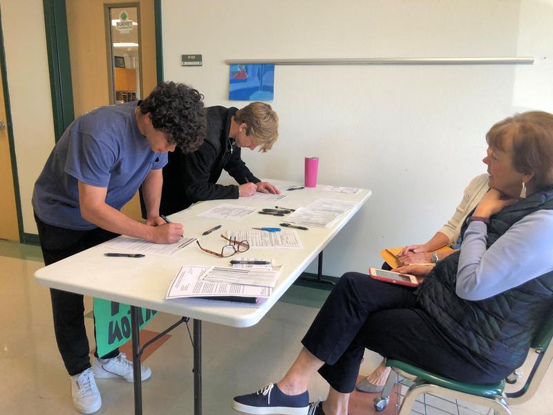 Seniors Register to Vote Thumbnail Image