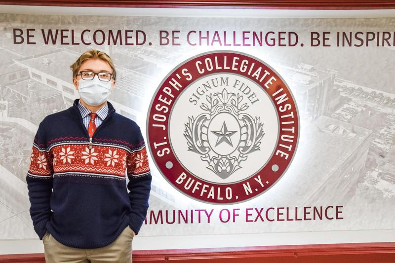 Eric Aquilina '22 Wins 2nd Place in 2020 Chinese Talent Competition Featured Photo