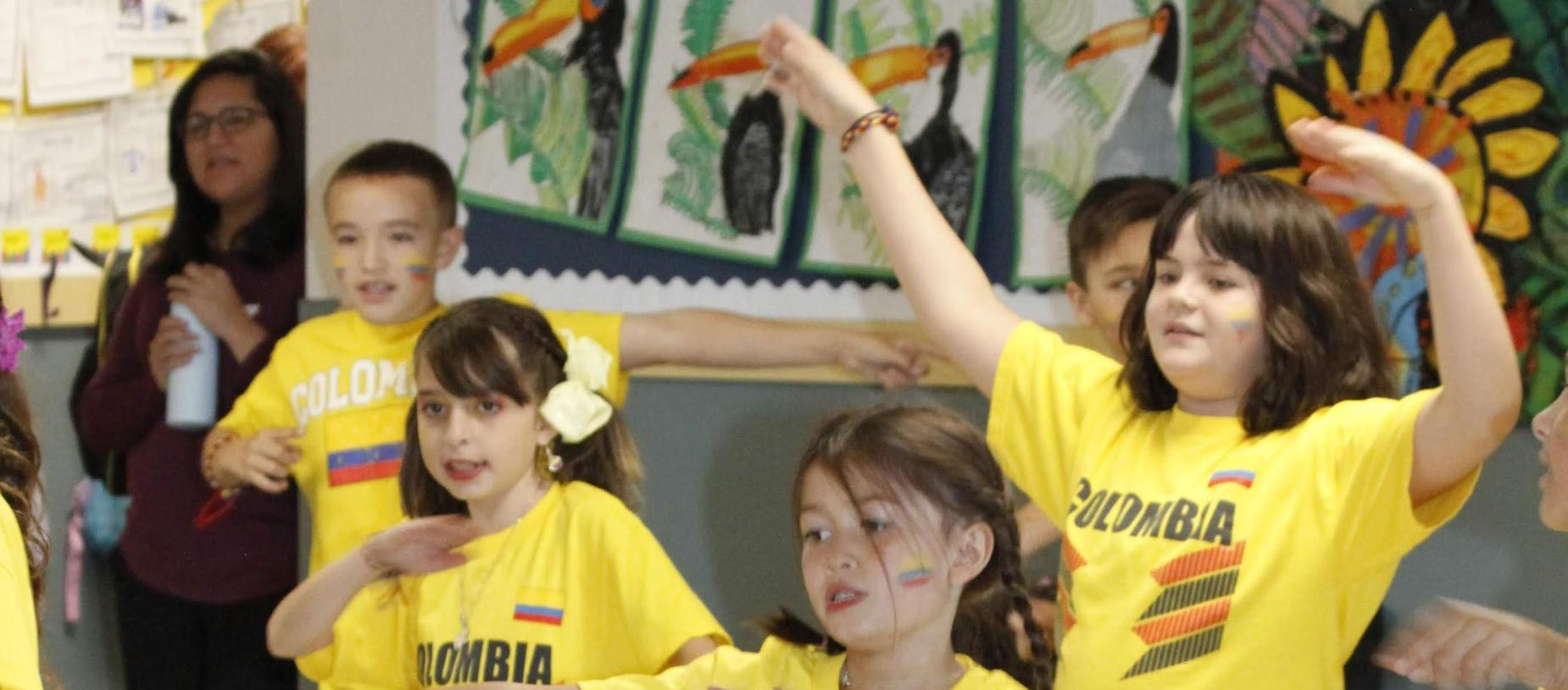children performing during International Day Colombia