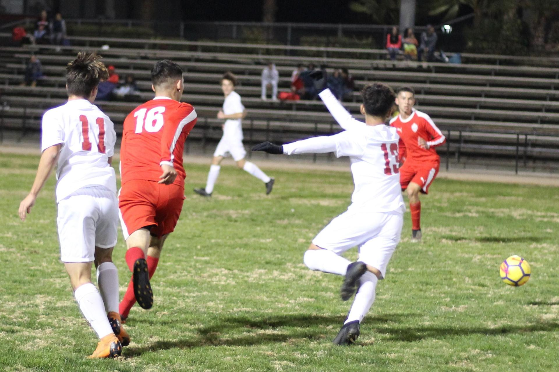 Christian Fernandez running for the ball