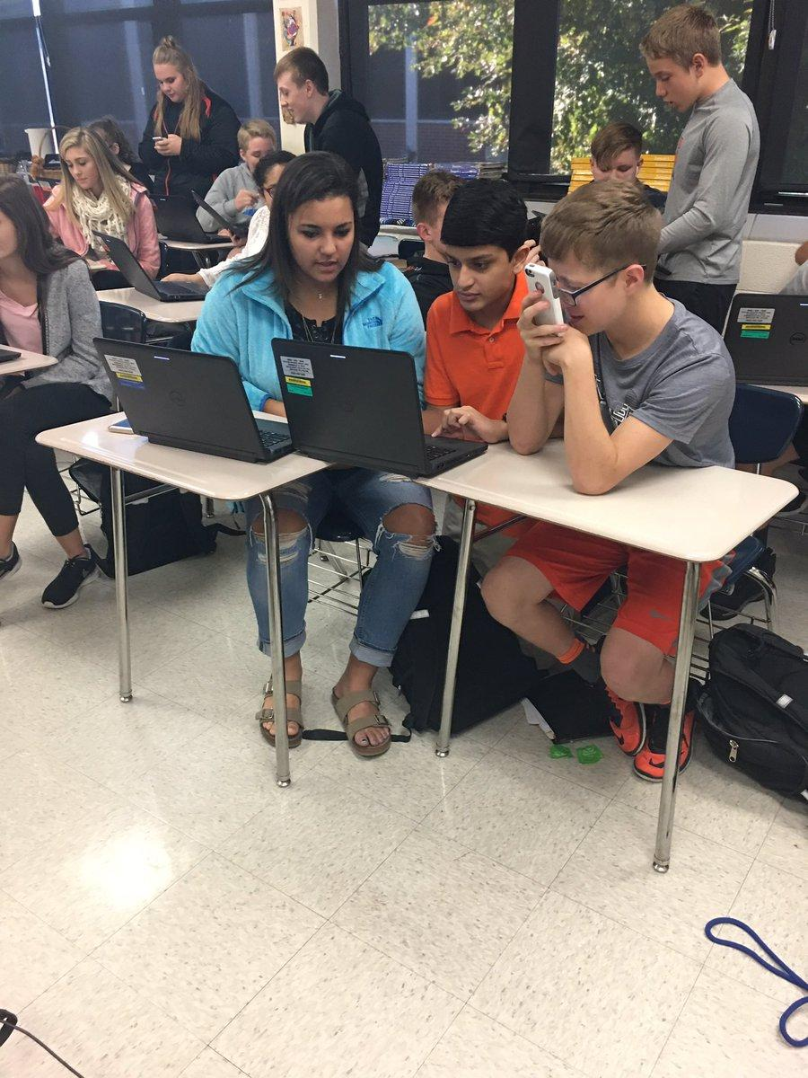 Mrs. Clear's Spanish class using Quizlet Live