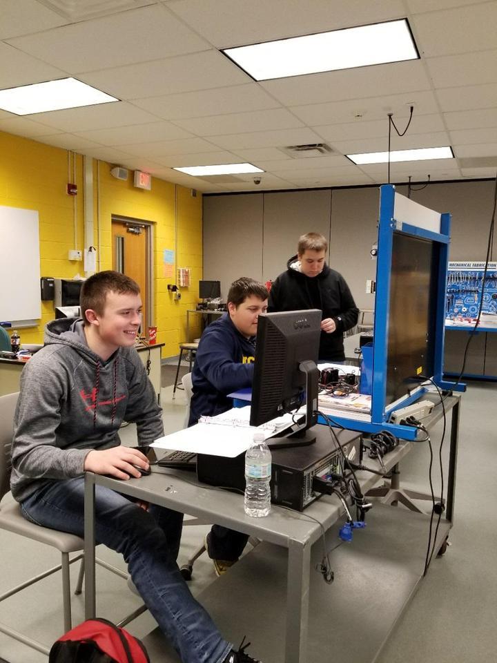 Students working in Mechatronics