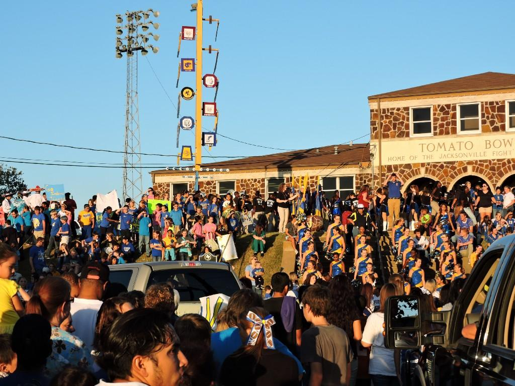 crowd after the homecoming parade