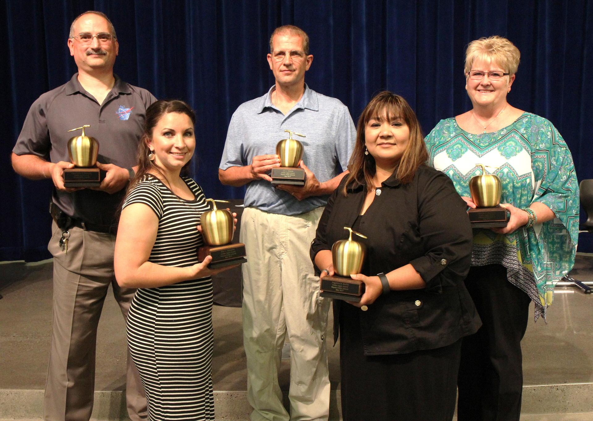 2016-2017 Golden Apple Award recipients pose for picture