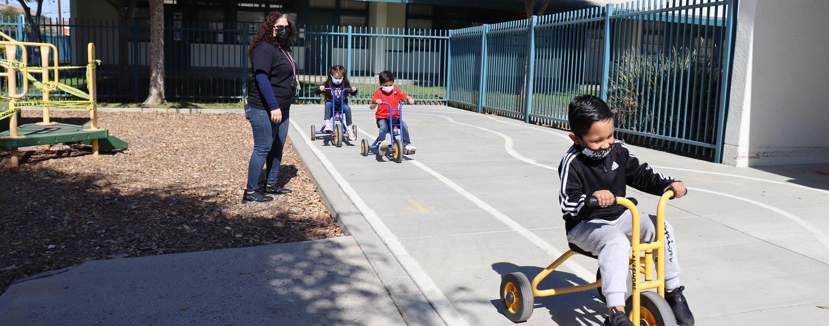Photo: students at recess