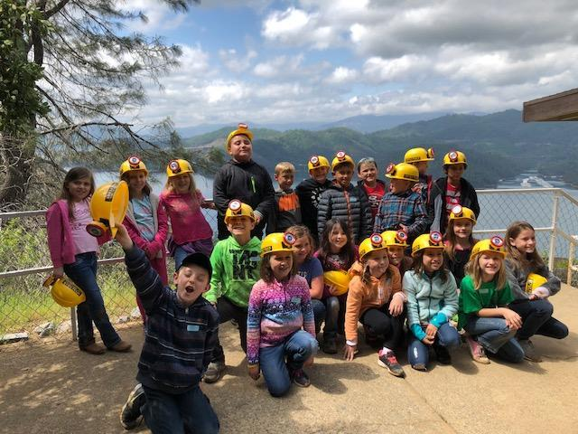 Picture of Mrs. Landers' class at Shasta Caverns