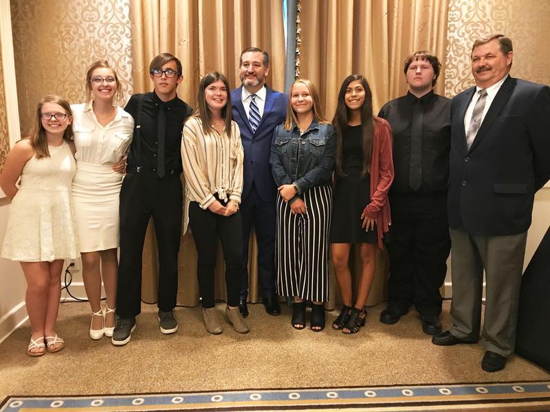 FHS Junior World Affairs students, Senator Ted Cruz and teacher, Dr. Maxey Hooks