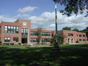 Exterior photograph of front of Westfield High School