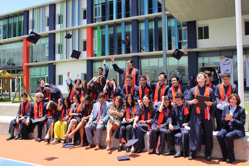 ¡Felicitamos a nuestros egresados de la primer generación de High School del Colegio Americano de Xalapa! Featured Photo